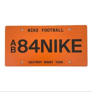 Nike Collector's Destroy Doubt Tour Vanity Plate